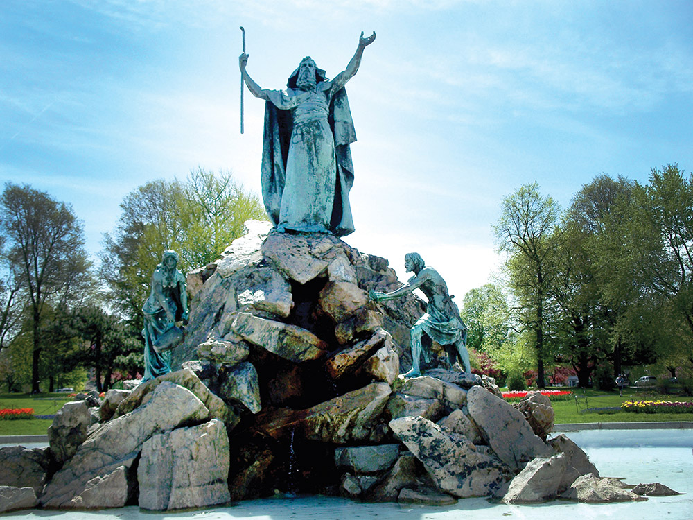 Washington-Park---Moses-Statue.jpg